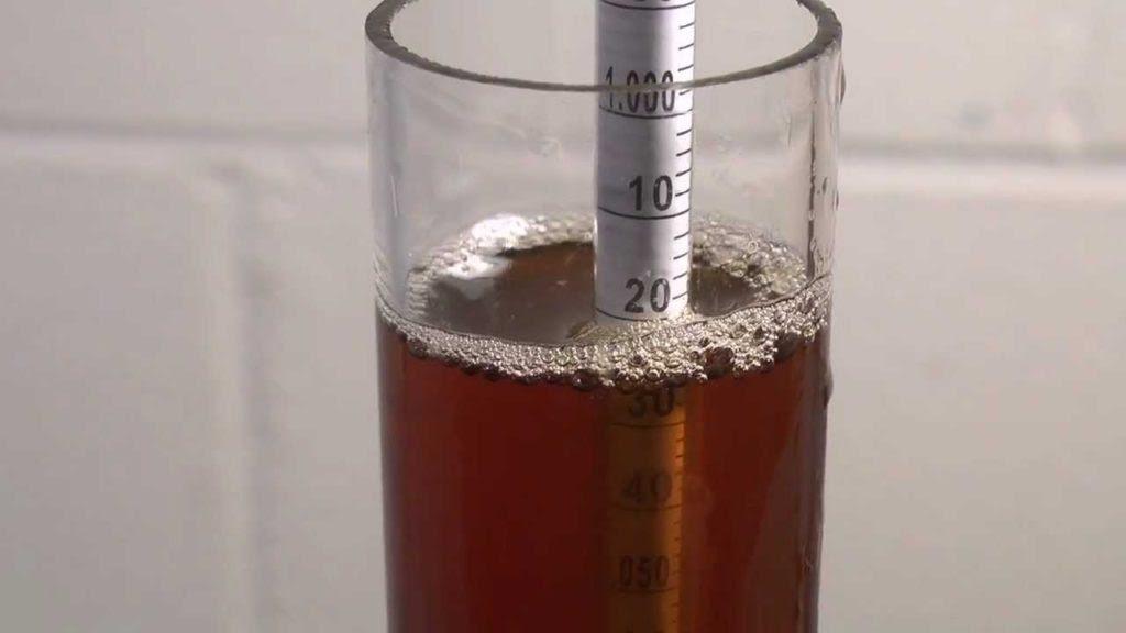 ¿Cómo se mide el contenido de alcohol en una cerveza?