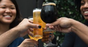 Celebra el Día de la Cerveza